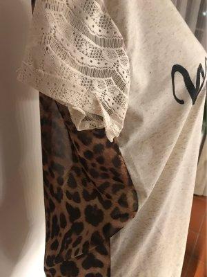 Top Shirt mit Geopardenmuster  am Rücken