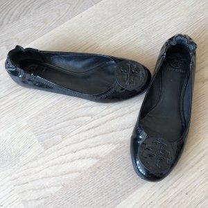 Tory Burch Bailarinas de charol con tacón negro