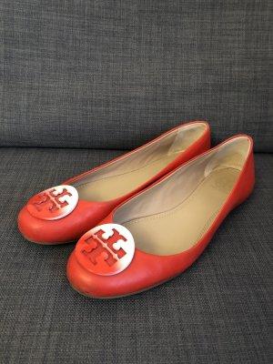 Tory Burch Ballerina mit Logo in rot