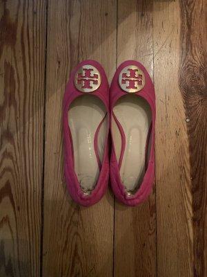 Tory Burch Bailarinas con tacón Mary Jane rosa