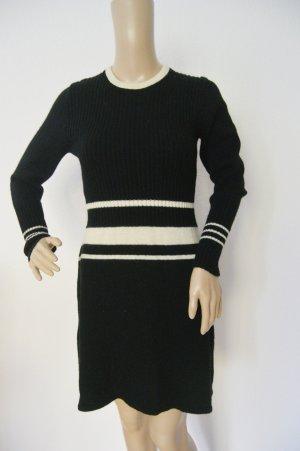 Vestito di lana nero