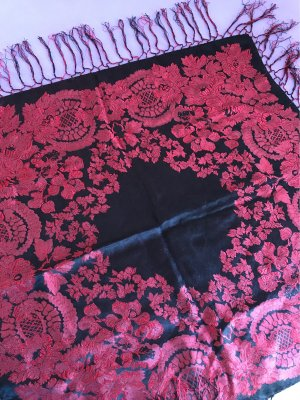 Foulard en soie noir-rouge carmin soie