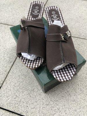 Sandales à plateforme brun foncé