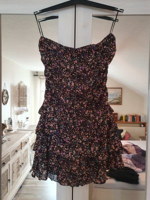 Trägelloses Kleid