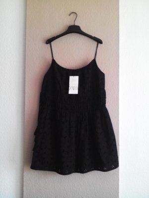 Träger Minikleid mit Lochstickerei aus 100% Baumwolle, Grösse M, neu