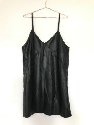 Trägerkleid aus Lederimitat / EDITED