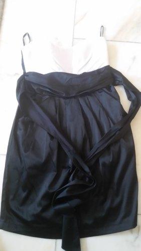 Amisu Robe épaules nues blanc-noir