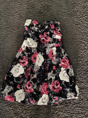 Trägerloses Kleid Blumen