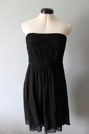 Trägerloses Kleid mit Stickmuster