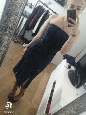 trägerloses Kleid mit tollen Details