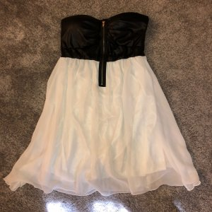 Trägerloses Kleid von Colloseum