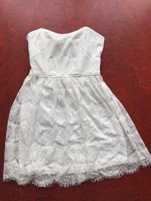 Trägerloses Kleid weiß Spitze