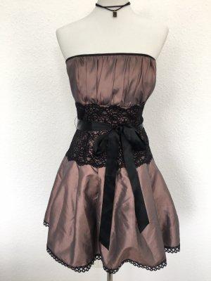 Trägerloses Petticoat Kleid mit Spitze und Schleife an Taille
