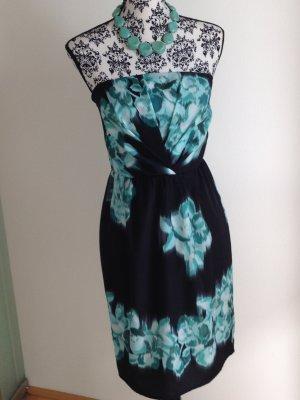 Trägerloses schmales Kleid mit Blütenmotiv + passende Halskette in Türkis-Optik