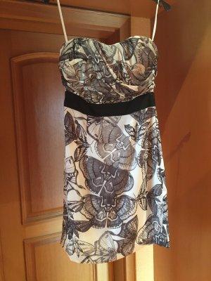 Trägerloses Sommerkleid
