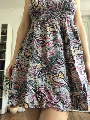 Trägerloses Sommerkleid Bustierkleid mit Ethnoprint Only 38