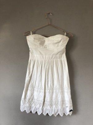 Trägerloses Sommerkleid mit Spitze