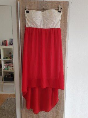 Trägerloses weiß rotes Kleid