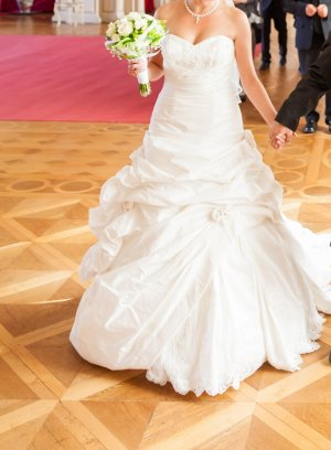 Traum Hochzeitskleid von Weise Größe 36-38