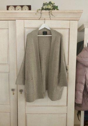 Traumhaft schöne Strickjacke von Zara, Wool Blend