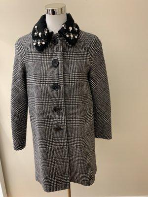 Traumhaft schöner Mantel mit Schmucksteinen