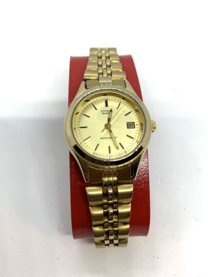 Citizen Reloj con pulsera metálica color oro
