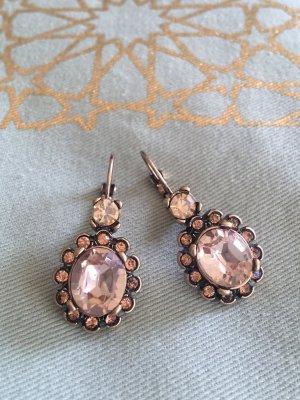 Traumhafte glitzernde Ohrringe antiker Stil