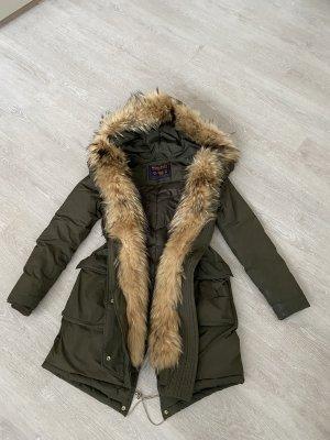 Woolrich Płaszcz puchowy khaki-ciemnozielony Futro