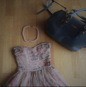 Traumhaftes Blumenkleid von Zara