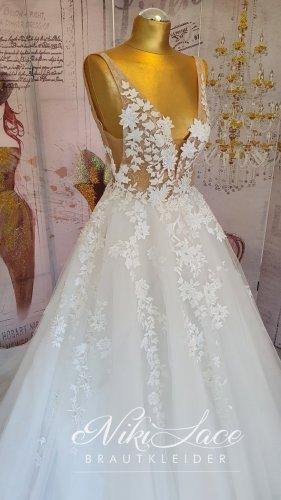 Traumhaftes Brautkleid Hochzeitskleid ivory Gr. 38 mit 3D Blüten Spitze warmweiß NEU/SALE %OUTLET%