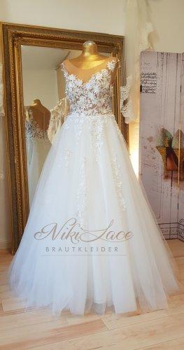 Traumhaftes Brautkleid Hochzeitskleid ivory Gr. 38 mit 3D Spitzenblüten warmweiß NEU/SALE %OUTLET%