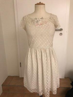 Traumhaftes Spitzen Midi-Kleid