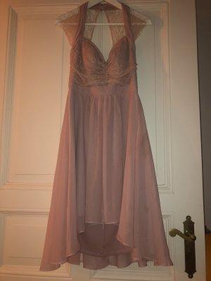 Vestido de encaje color rosa dorado