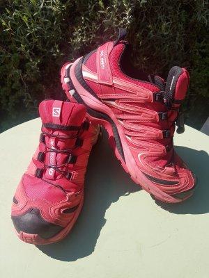 Trekking-Schuhe / Wanderschuhe / Halbschuhe von Salomon in pink mit Gore-Tex (neuwertig) Größe 38 2/3