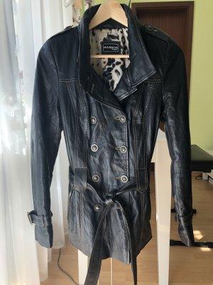 Abrigo de cuero negro-color bronce Cuero