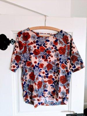 Trend T-Shirt  Flowerprint  Blumenmuster  Frühling  Spring Colours