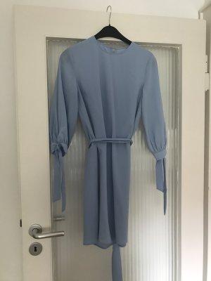 Trendfarbe Hellblau