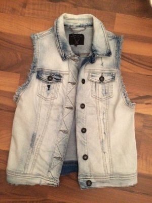 Trendige Jeans-Weste in Used-Optik