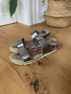 Trendige Metallic Sandalen