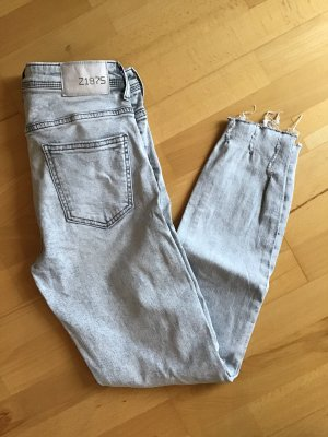 trendige Zara Jeans basic denim 38, neu