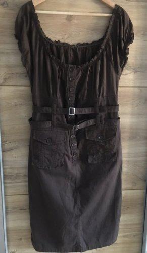 Vestido de un hombro marrón oscuro