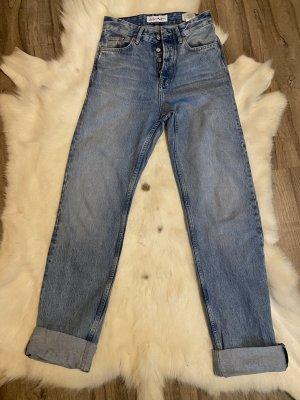 Trendy Jeans Dua Lipa