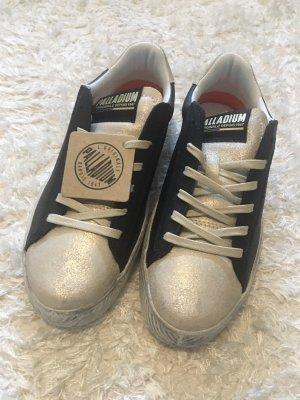 Trendy Retro Leder Sneakers creme/ schwarz von Palladium Gr. 37 Neu mit Etikett