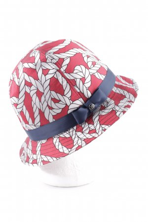Trilby allover print casual look