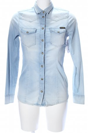 True Religion Camisa vaquera azul look casual