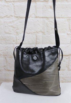 True Vintage 80er Butterweich Leder Handtasche Beuteltasche Zugband Schwarz Tasche viele Fächer