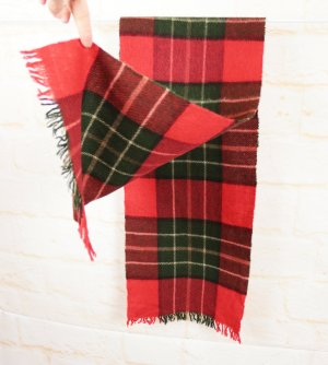 True Vintage 80er Winterschal Karo Muster Rot Grün Klassisch Rockabilly Tartan Fransenschal Ugly Christmas