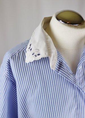 True Vintage Bluse Spitzen Kragen Größe XXL 50 Blau Weiß Kurzarmbluse Spitzenkragen Hemdbluse Oversize Business Kasten Kurzbluse Streifen Landhaus Trachten Shabby