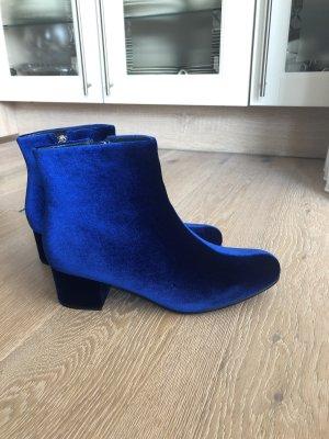 Truffle Collection blaue Stiefeletten aus Samt / Ankle Boots / Stiefel / Absatzschuhe / Winterschuhe / Herbstschuhe