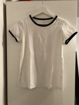 Tshirt mit abgesetzten Kragen